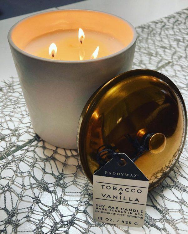HYGGE Tobacco & Vanilla 425g Paddywax sviečka