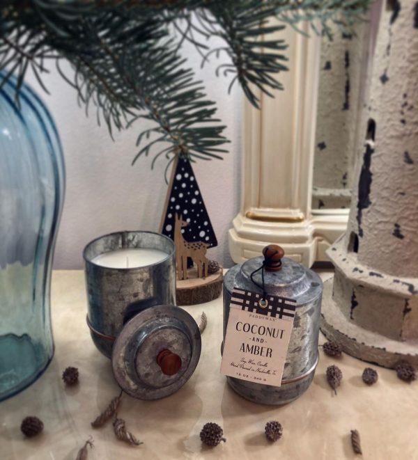 HOMESTEAD Coconut & Amber 340g Paddywax sviečka